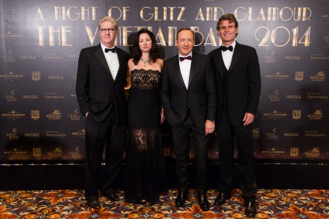 (Left to right) Edward Tracy, President and Chief Executive Officer of Sands China Ltd.; Janet Tracy; long-time Best Buddies supporter Kevin Spacey; and Anthony Kennedy Shriver, Founder and Chairman of Best Buddies International walk the red carpet at The Venetian Macao Saturday night, before attending The Venetian Ball 2014: A Night of Glitz and Glamour, with Tiffany & Co. as Presenting Sponsor. The event raised funds for Best Buddies Macao – a chapter of Best Buddies International.