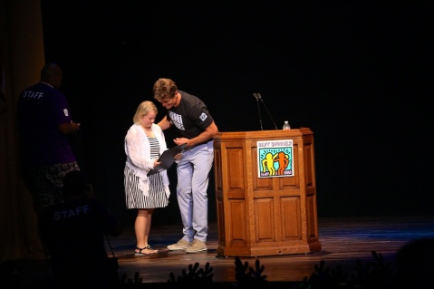 Lauren Potter is presented the Spirit of Courage Award from Anthony K. Shriver | Photo by John David Arroyo, Best Buddies International